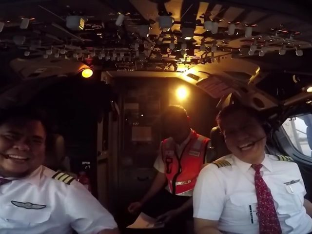 Viral! Video Detik-detik Kapten Edward dengan Co Pilot Lion Air JT 610